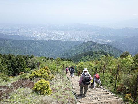 塔ノ岳の下り坂